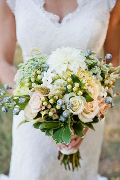 gorgeous soft #bouquet | photo by Caroline Joy