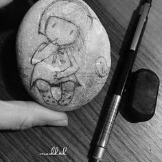 #taşboyama #tas #siyah#beyaz#stonepainting #huzurlugeceler#mmoddakk
