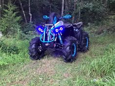 Four Wheelers For Sale, Atv Four Wheelers, Can Am Atv, Green Barn, Sand Toys, Fancy Cars, Dirtbikes, Big Kids, Motorbikes