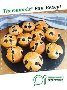 Ein Thermomix ® Rezept aus der Katego… Blueberry Buttermilk Muffins from kurtain. A Thermomix ® recipe from the Baking Sweet category www.de, the Thermomix® Community. Chocolate Cookie Recipes, Easy Cookie Recipes, Muffin Recipes, Baking Recipes, Dessert Recipes, 2 Ingredient Cookies, Blueberry Recipes, Blue Berry Muffins, Muffins Blueberry