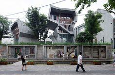杭州市中山路的南宋御街。 建筑设计:业余建筑工作室 王澍
