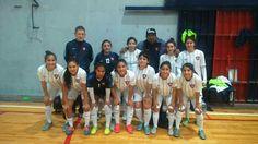 Futsal: La primera División de San Lorenzo cayó 0-1 frente a Racing en el San Martín. En un partido que pintaba para 0-0, Racing encontró el gol sobre el final y se quedó con la victoria. El próximo fin de semana Las Santitas buscarán recuperarse frente a Kimberley en Devoto.