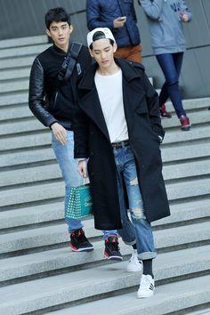 "koreanmodel: "" Streetstyle: Yoon jinwook and Jo Minho at Fall 2014 Seoul Fashion Week shot by Choi Seung Jum "" Korean Fashion Winter, Korean Fashion Men, Korean Street Fashion, Korean Men, Asian Fashion, Seoul Fashion, Korea Fashion, Boy Fashion, Mens Fashion"