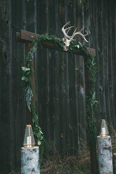 modern ceremony altar - photo by LV Imagery http://ruffledblog.com/nordic-inspired-woodland-wedding
