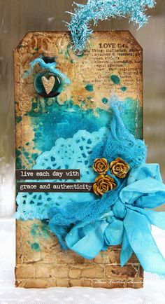 Anne's paper fun: Tag using Tim Holtz, Ranger, Idea-ology, Sizzix and Stamper's Anonymous products; May 2015