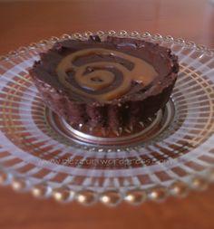 Mini tarte cu ciocolată și caramel