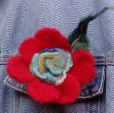 Unique flowers brooch or pin hair. Felt Flowers, Flowers In Hair, Unique Flowers, Pink Gifts, Flower Brooch, Xmas Gifts, Needle Felting, Pink Roses, Hair Pins