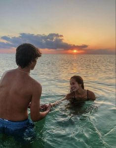 P I N T E R E S T: melissahendrikss distance relationship advice aesthetic goals ideas memes photos pictures problems quotes tips Cute Couples Photos, Cute Couple Pictures, Cute Couples Goals, Couple Goals, Couple Things, Teen Couple Pictures, Couples At The Beach, Summer Love Couples, Couple Beach