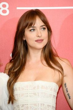 """17 Wispy Bangs Styles From Celebs Whose Bangs Are Always """" Too Good"""" We're taking hairstyle cues from celebs that always have the best bangs. Here are some of our favorite celebrities who embrace their wispy bangs enough to convince you to get your own. Messy Short Hair, Short Hair With Bangs, Hairstyles With Bangs, Hair Bangs, Celebrity Hairstyles, Brown Blonde Hair, Brunette Hair, Medium Hair Styles, Curly Hair Styles"""