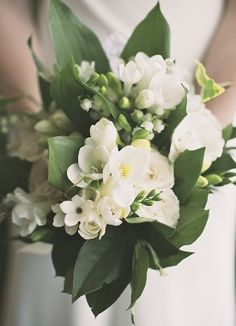 A lovely classic wedding bouquet | #Weddings | Hot Metal Studio