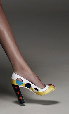 Retro stylish peep-toe, polka dots chunky sky-high heel, color-block shoe at Fendi Resort 2015... #fashion #shoes