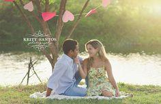 Ensaio/book fotográfico de noivado, feito para registrar momento especial na vida do casal. Fotografia externa no parque em Feira de Santana.                                                                                                                                                      Mais