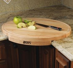 Put your corner kitchen counter to use with this oval-shaped corner cutting board. This wood cutting board is easier on knives and bacteria won't take over this board. Kitchen Items, New Kitchen, Kitchen Dining, Kitchen Decor, Kitchen Corner, Kitchen Board, Kitchen Products, Kitchen Sink, Round Kitchen