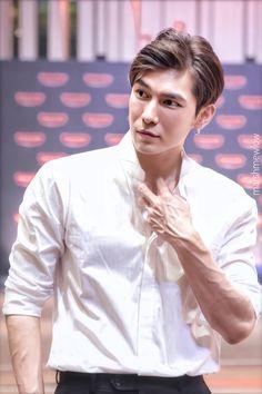 Tharntype the series - Couple Mew Gulf Hot Asian Men, Asian Boys, Thai Drama, Asian Actors, Fujoshi, Hot Boys, Pretty Boys, Cute Guys, Cute Couples