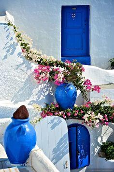 Nada me encanta mais que esse agregado de casinhas branca + azul.. Grécia é sem palavras! Santorini - Grécia