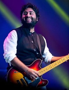 Are you finding Height, Weight, Wiki, Age, Family Biography etc of Arijit Singh? Dj Music, Music Love, Good Music, My Love Song, Love Songs, Best Music Artists, Bengali Song, Half Girlfriend, Hottest Female Celebrities