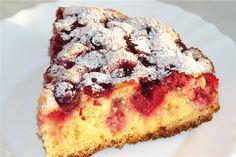 Это очень простой и очень вкусный пирог. Структура мякиша у него очень рыхлая и мягкая. Вместо вишен можно использовать другие ягоды - смородину, чернику, малину. Предварительно размораживать их не н…