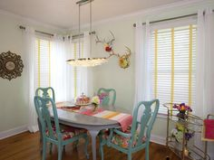 Property Brothers: Bachelorette pad dining room.
