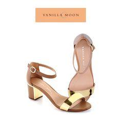Look chic with this pair. #vanillamoon #happysaturday #shoelove