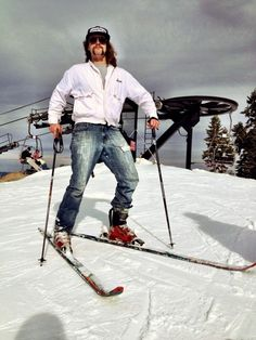 Don't wear denim jeans to ski! Here's what not to pack for your Steamboat ski vacation!