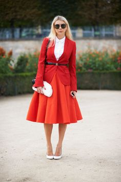Street Style Paris Fashion Week 2014  Love the slight clash of colors!!