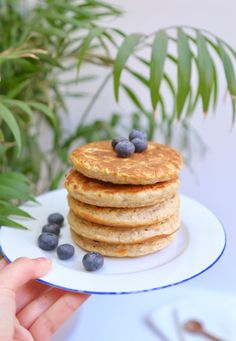 Healthy pancakes - El gato de Alma - Healthy Pancakes A super quick recipe for a healthy breakfast that will keep you going until lunch - Healthy Prawn Recipes, Healthy Food List, Healthy Cake, Healthy Crockpot Recipes, Healthy Snacks, Pancake Healthy, Pancake Recipes, Muffin Recipes, Sweet Potato Breakfast