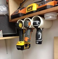 Clever Garage Storage and Organization Ideas PVC Drill Holder. Got tired of losing your drills or power tools in the garage? PVC pipes can solve that problem. Pvc Pipe Storage, Diy Garage Storage, Storage Hacks, Overhead Storage, Garage Shelving, Loft Storage, Shed Storage Solutions, Yard Tool Storage Ideas, Storage Systems