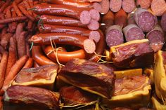 German Ministry of Interior issued an apology over serving sausage containing pig blood, bacon and pork to the people attending the German Islam Conference in Berlin. Nutrition Tips, Diet Tips, German Sausage, Meat, Pork Sausages, Islam, Germany, Bbc News, Vegan