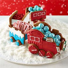 Gingerbread Train Cars Melt hearts and brighten spirits with these adorable holiday goodies! Christmas Treats, Holiday Treats, Christmas Cookies, Holiday Recipes, Christmas Recipes, Teal Christmas, Christmas Foods, Christmas Desserts, Christmas Baking