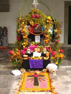 DIA DE LOS MUERTOS/Day of the Dead~ Ofrenda