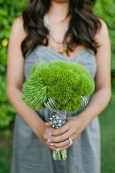 This bouquet is a great idea for a green spring wedding. It's made with Green Trick Dianthus. Bouquet Bride, Bridesmaid Bouquet, Wedding Bouquets, Ribbon Bouquet, Green Spring Wedding, Dianthus Flowers, Bouquet Champetre, Pantone Greenery, Parker Palm Springs