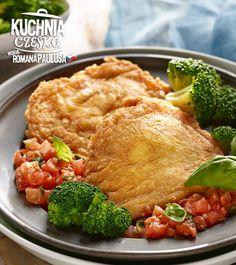 Szynka wieprzowa w panierce z pomidorowym ragout (gęsty sos) oraz gotowanymi brokułami #lidl #przepis #szynka #wieprz #pomidor #ragout #brokuly