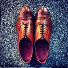 45 Purple Street Style Shoes To Look Cool - Women Shoes Trends Men's Fashion, Fashion Shoes, Fashion Outlet, Unique Fashion, Paris Fashion, Runway Fashion, Fashion Trends, Sock Shoes, Shoe Boots
