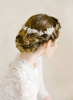 Royal wedding lovers take note, because thanks to the stylings of Joy Proctor Design and TEAM Hair And Makeup we've got just the inspiration to add a bit of reign to your Big Day. Serving up major w...