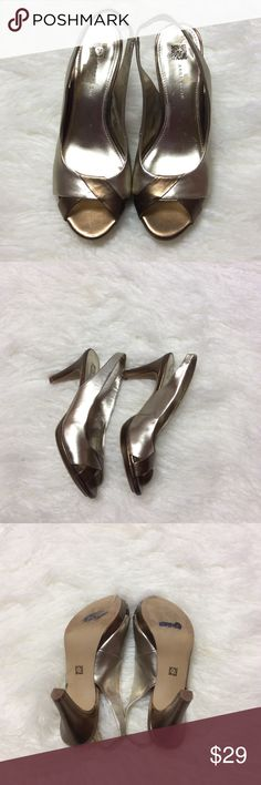 ccf842c8d448 Shop Women s Anne Klein size 8 Heels at a discounted price at Poshmark.  Description  Gorgeous shoes in 2 tone bronze and gold.