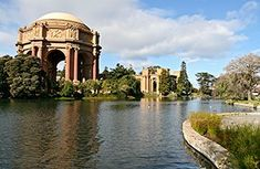 The Palace of Fine Arts was built in 1915 for the Panama-Pacific International Exposition. It now belongs to the City of San Francisco, featuring a classical Roman rotunda with curved colonnades in an idyllic park setting. Visitors may picnic, stroll by the lake or take amazing photographs.