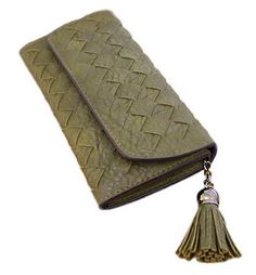 Bigood Women Diamond Wave Pattern Tassels Long Purse Notecase Card Wallet Green. Material:PU. Size:19.2*9.8cm. Designed to hold cash, cards and other little things; you can simply hold it on hand or put it in bag. Multi-storey fold is designed for you to keep your things oraganized well and easy to use.Perfect Zipper Pocket place / travel / business. Put it into your handbag, can hold bills, change, credit cards, photo, ID card, business card, etc,It is very elegant and suitable for many...