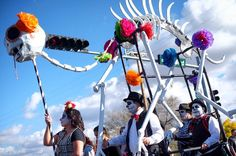 Scenes from the Marigold Parade part 2. #diadelosmuertos #marigoldparade #albuquerque #abq #newmexico #dayofthedead #fujixt1 #myfujifilm #xt1