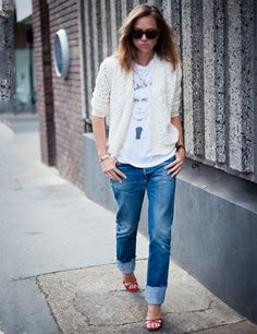 ELLE shows how to wear lace #2   http://www.elleuk.com/fashion/what-to-wear/elle-wears-lace#image=5