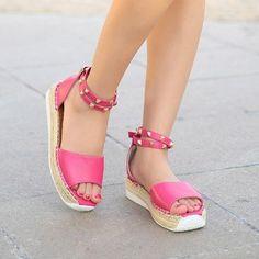 High-quality Big Size Rivet Strappy Buckle Sweet Flat Peep Toe Roman Sandals - NewChic