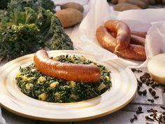 Grünkohl mit Kartoffeln und Pinkel | Zeit: 30 Min. | http://eatsmarter.de/rezepte/gruenkohl-mit-kartoffeln-und-pinkel