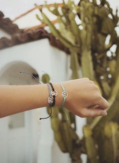 Stuck on you 🌵 💚 Arrival: Pura Vida Cactus Charm Bracelet 💚