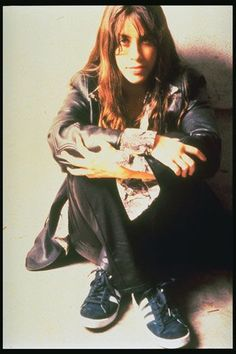 Alanis Morissette -- back when she was an angry girl. Don't you love her? I think we could be friends, maybe. TOP 5 5-Uninvited 4-Are You Still Mad 3-Joining You 2-Unsent 1-The Couch