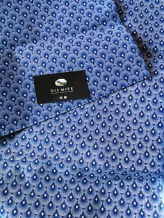En Web!! Tela shweshwe africana. Con certificación de origen en su reverso, ancho 90 cm y 100% algodón.  #telasafricanas #telas #tiendatelas #telasonline #color #tapizar #moda #costura #coser #decor #handmadesewing #sew #sewing #tendencias #otoño Baroque Pattern, Paper Beads, Fashion, Sew, African, Trends, Colors, Moda, La Mode