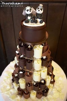 Panda Wedding Cake. Omg! This would have been my dream wedding cake. Pandas AND chocolate!!!!