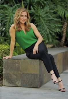 "In this Wednesday, June 18, 2014 photo, actress Sasha Alexander poses for a portrait in Los Angeles. Season five of Alexander's crime drama ""Rizzoli and Isle..."