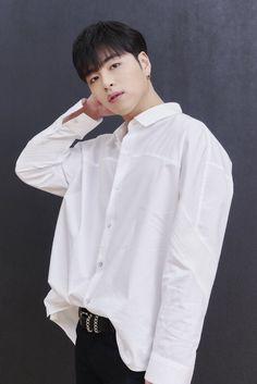 "iKON HQ PHOTOGRAPHS 📸 on Twitter: ""PHOTO | 구준회 Junhoe ジュネ… "" Kim Jinhwan, Hanbin, Yg Entertainment, Koo Jun Hoe, Ikon Debut, Ikon Wallpaper, Jay Song, First Boyfriend, Stylish Winter Outfits"