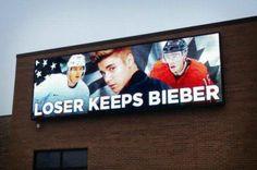 Półfinał hokeja #USA - #Kanada w #Sochi . Jak widać jest o co grać - co tam medal, kiedy taka motywacja! ;]
