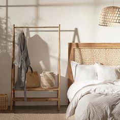 Living&more tøjstativ - Danang H 180 x B 100 x D 50 cm - Med to hylder - Coop. Bali Bedroom, Wood Bedroom, Small Room Bedroom, Home Decor Bedroom, Bali Decor, Black Bedroom Design, Tadelakt, My New Room, Bed Design