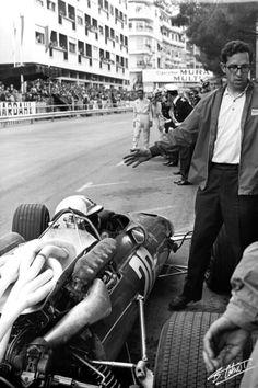 pinterest.com/fra411 #vintage #formula1 - Forghieri-Amon 1967 Monaco